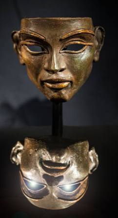Masque original du film de Belphegor, moulé sur le visage de Sophie Marceau